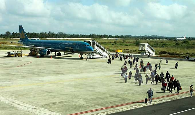 Vietnam Airlines ramps up 175 flights on reunification holiday