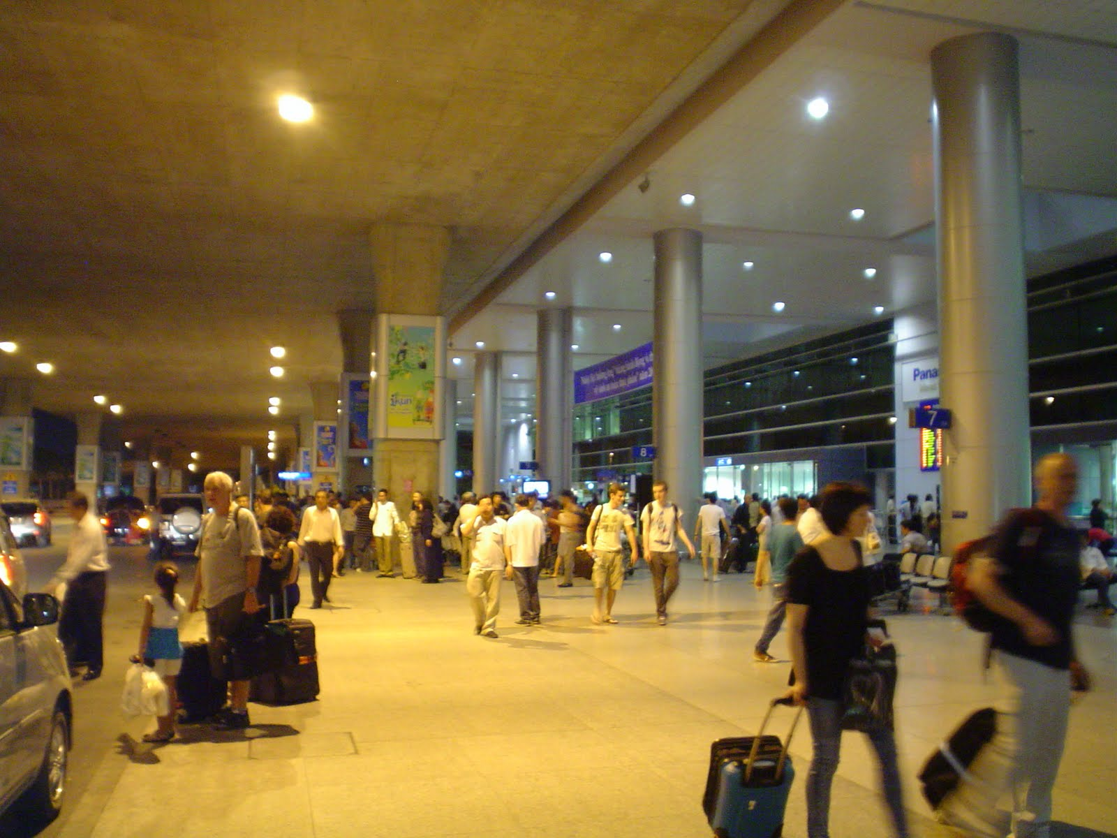 Tan Son Nhat int'l airport to be expanded