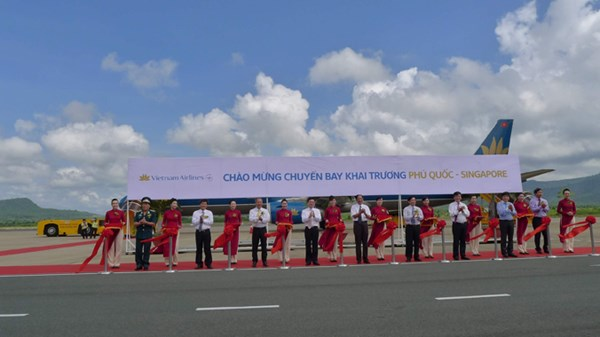 Air route launched between Phu Quoc and Singapore