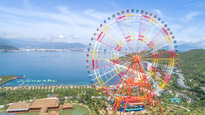 Viet Nam's biggest ferris wheel launched in Nha Trang