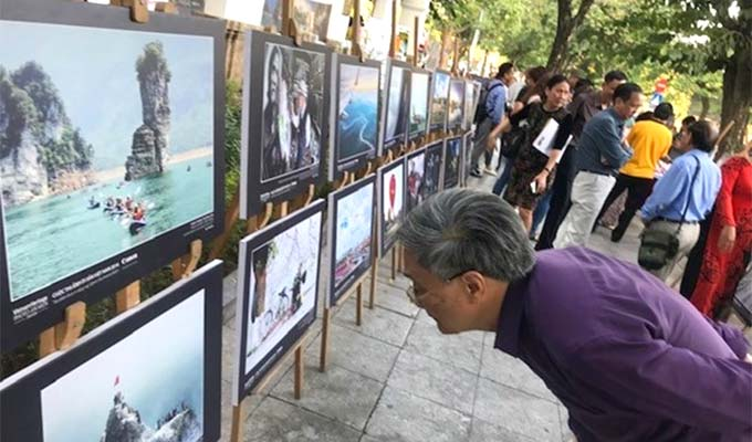 Over 100 best heritage photos on display in Ha Noi