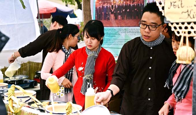 Cuisine festival helps introduce Viet Nam's images to int'l friends
