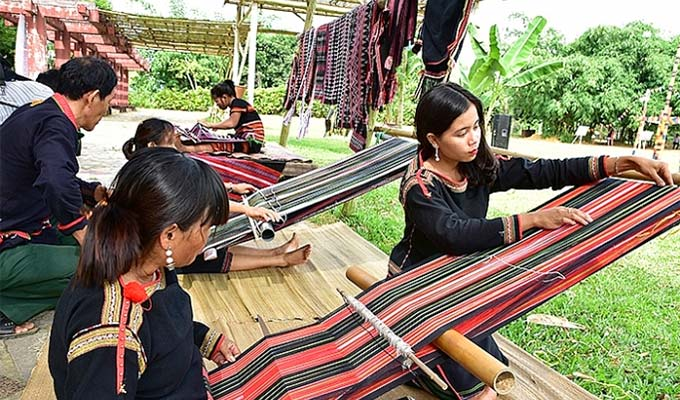 First Viet Nam brocade culture festival to open in Dak Nong