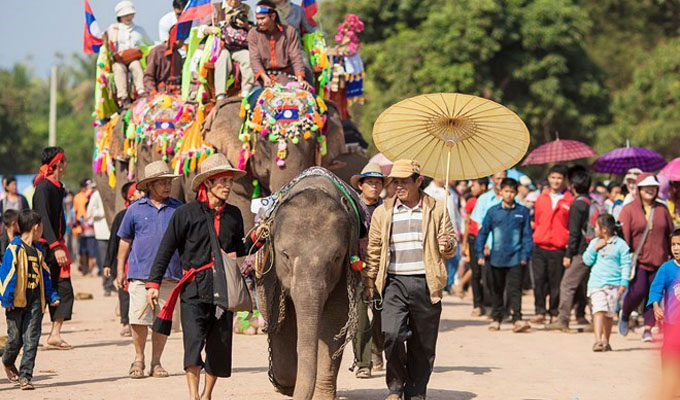 First Viet Nam – Laos caravan tour launched in Ha Noi