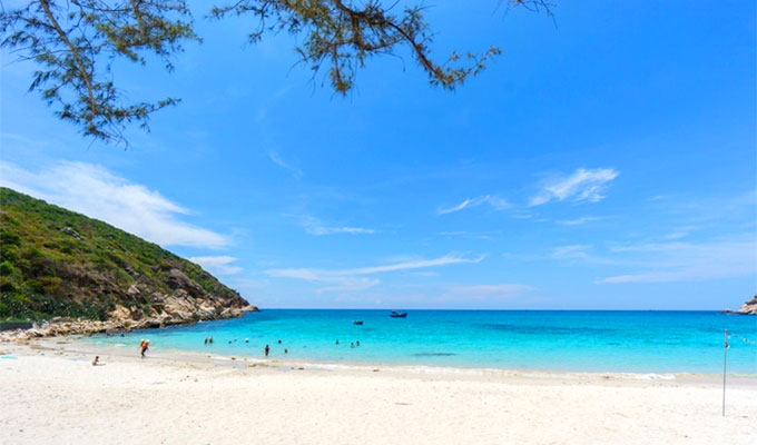 Viet Nam's pristine bay named among best places to visit in May