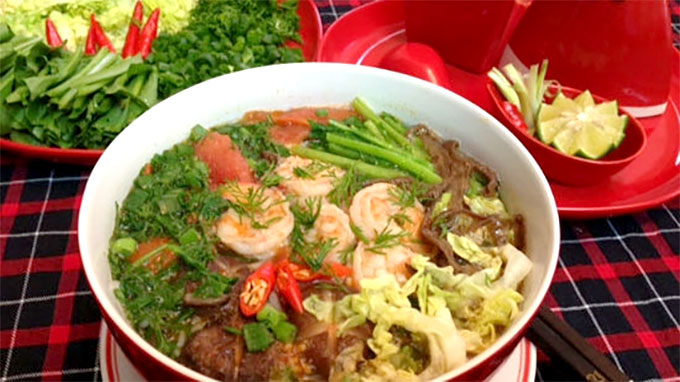 Bun Tom (shrimp vermicelli noodle)
