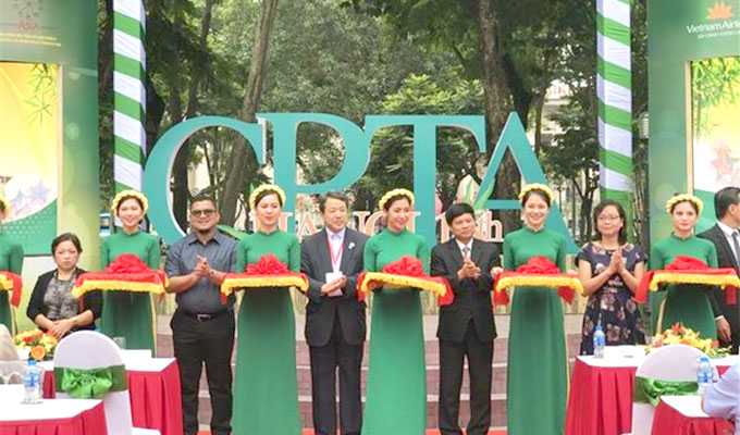 Asian cities join tourism exhibition in Ha Noi