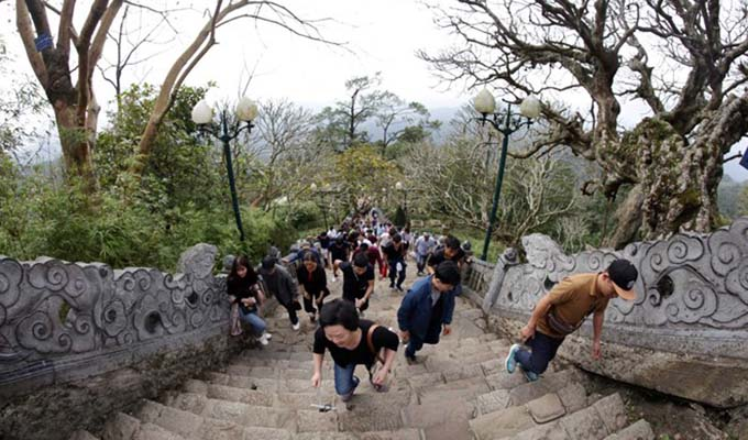 Quang Ninh welcomes record number of visitors during Tet