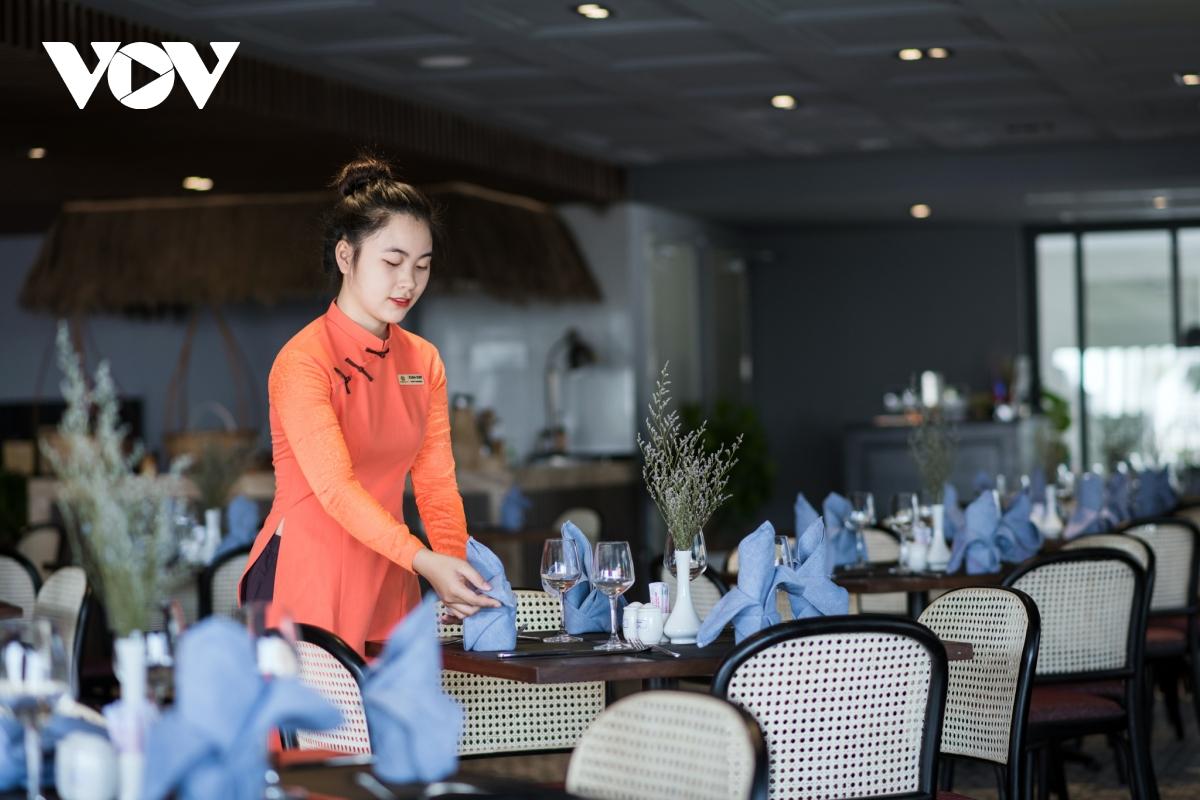 """Khách sạn, resort vượt bão Covid: Khách nội địa là """"phao cứu sinh"""""""