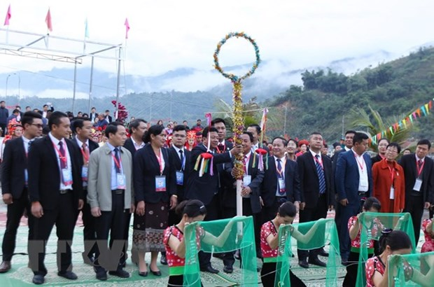 Viet Nam-Laos-China 'con' throwing festival takes place in Lai Chau