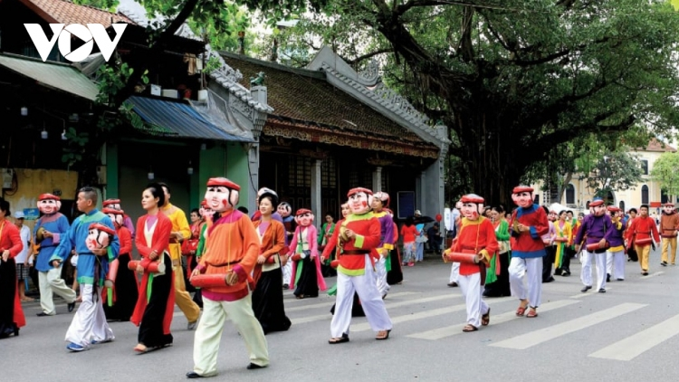 Photo exhibition celebrates 1,010 years of Thang Long-Hanoi