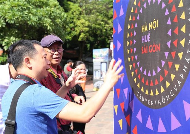 Hanoi hosts exhibition on sisterly major cities