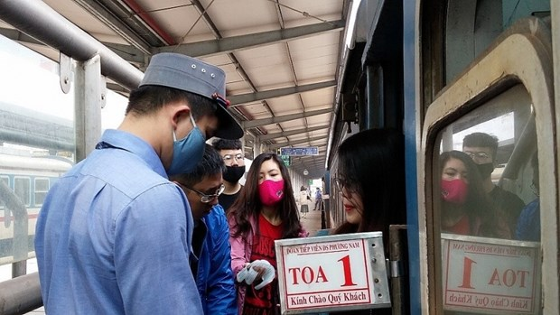 VNR proposes increasing passenger trains on Hanoi-HCM City route