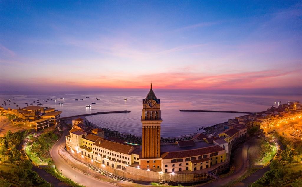 Ensuring safety while resuming international tourism in Phu Quoc