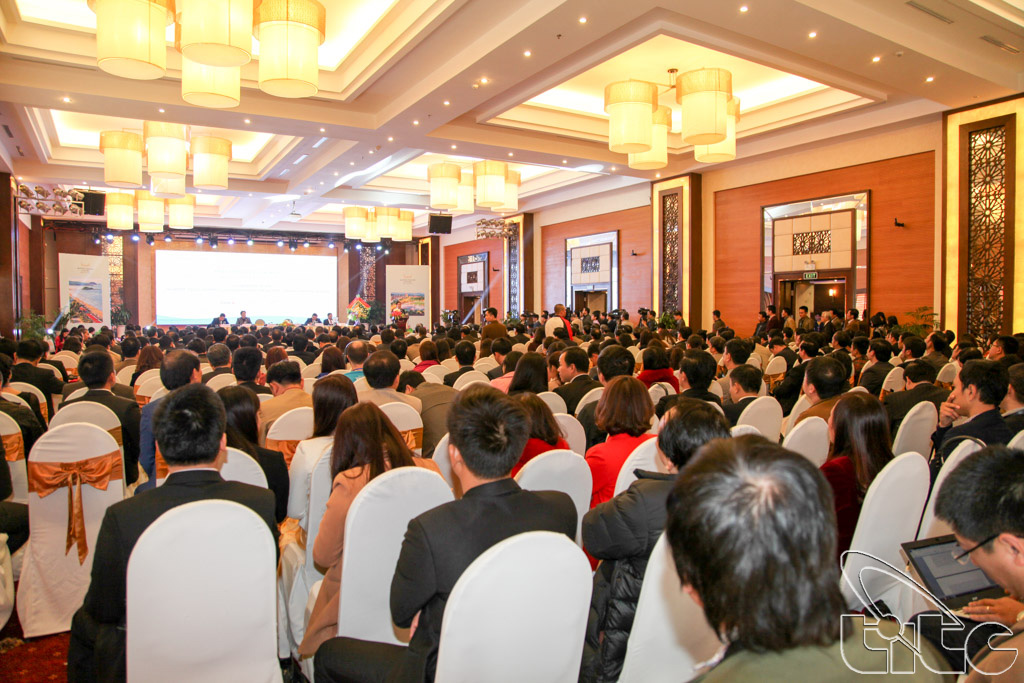 Conference on tourism development cooperation of the North – South Central Region (Photo by Anh Dung)