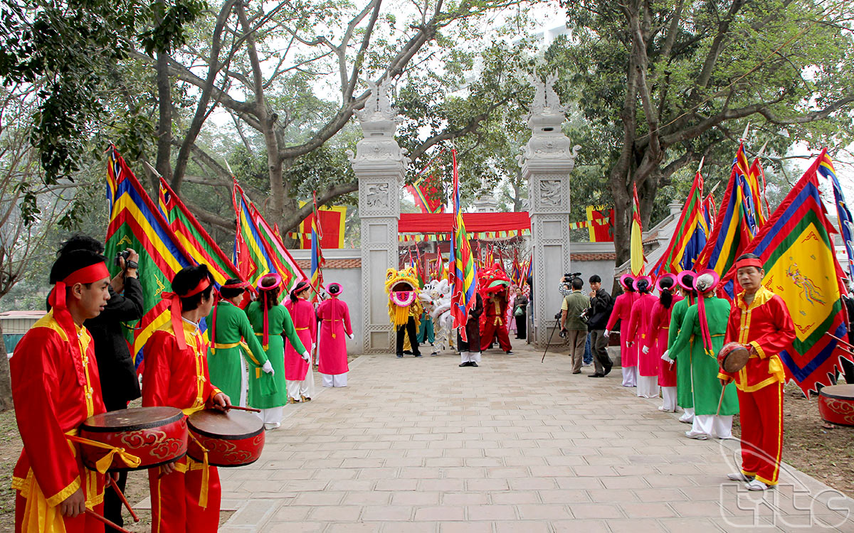 Voi Phuc Temple Festival in Ha Noi (Photo: Huy Hoang)